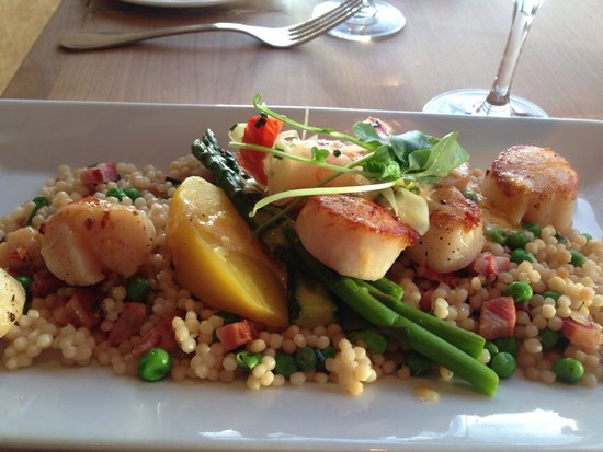 Blue Crab Seafood House: Scallops & Prawns