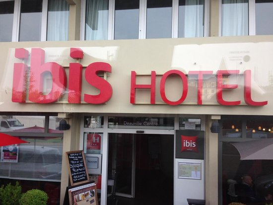 Ibis Deauville Centre: front of hotel