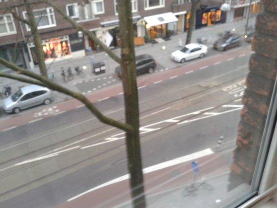 Hampshire Hotel - Beethoven Amsterdam: Vista da rua pelo corredor