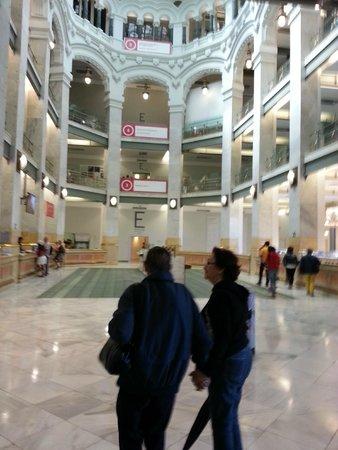Hostal Tijcal : Palacio de Cibeles, at walking distance.