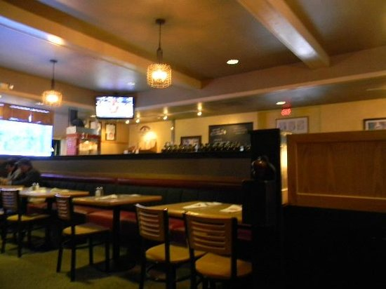 By-Th'-Bucket Bar and Grill: bar area