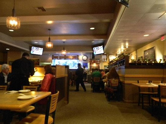 By-Th'-Bucket Bar and Grill: overhead TVs