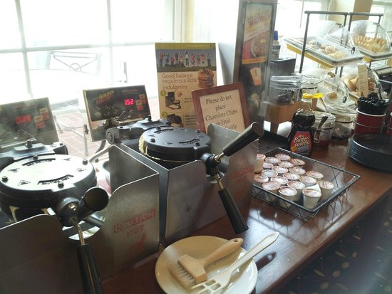 Residence Inn Columbia Northeast: Breakfast