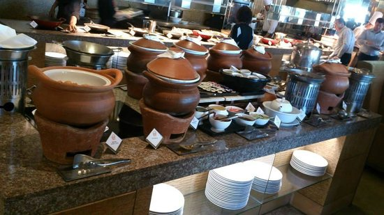 Shangri-La Hotel,Bangkok: Breakfast at Next2