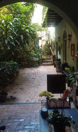 The Gallery Inn : Areas de verdor y de mucha historia