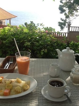 Bed & Breakfast Aquaterrace: beautiful fruit pancake and fresh juice