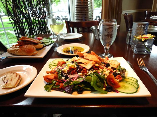 The Heights Restaurant and H Bar: Our lunch
