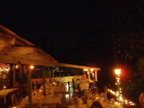Evita's Italian Restaurant: outside