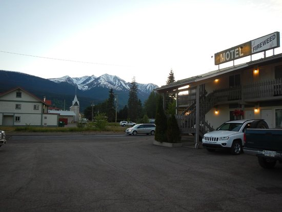 Fireweed Motel : View from parking lot