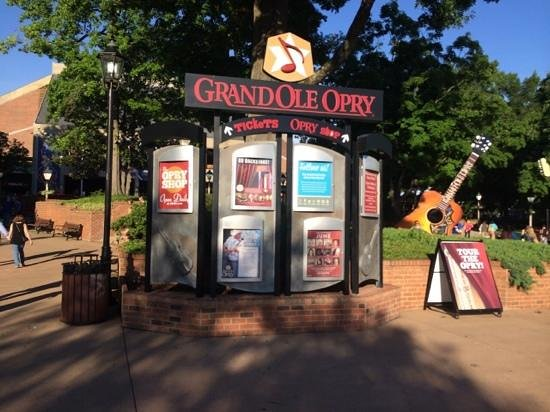 The Grand Ole Opry: outside