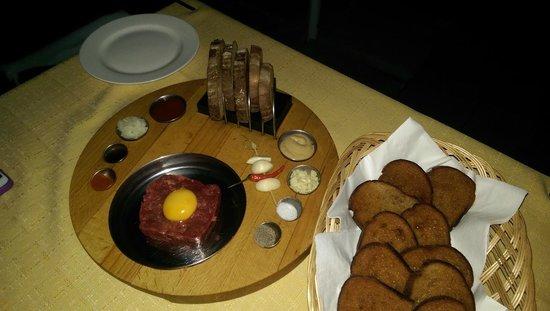 Restauracia Hrad: Tartar