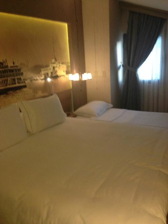 Boutique Saint Sophia Hotel: Room with with Large Double Bed and Roll Away
