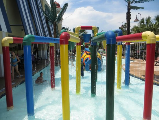 Compass Cove Oceanfront Resort: One of the kiddie pools at the Pinnacle