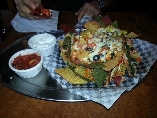 Rod & Gun : Half order of nachos....