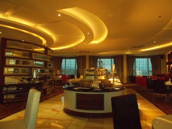 Promenade Hotel: promenade club lounge
