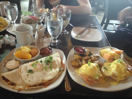 The Wood Restaurant and Lounge: Eggs Benedict and Rancheros Huevos