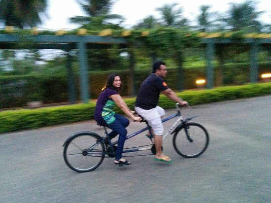 Sunray Village Resort: Cycling around the place
