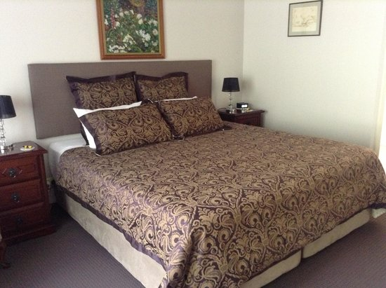 The Noble Grape Guest House : Spacious King Room