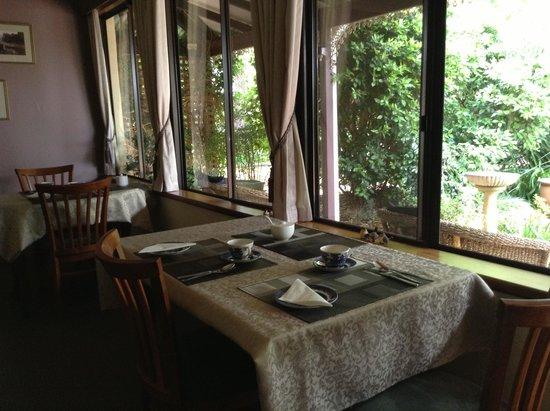 The Noble Grape Guest House : Enjoy breakfast overlooking the garden