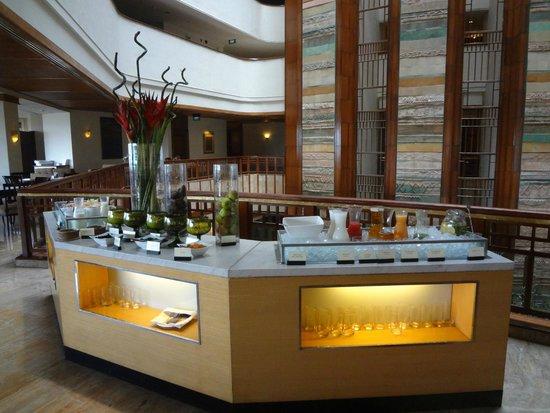Hotel Aryaduta Bandung: Breakfast