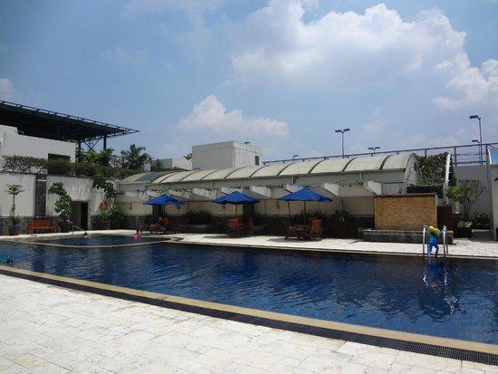 Aryaduta Bandung: Pool