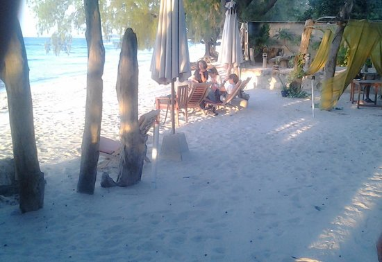 Pondok Wisata Pantai Cemara : Area Pantai
