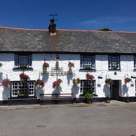 Fox and Hounds Comford