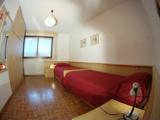 Apartments Cesa Crepa Neigra - Fam.Planchensteiner: camera doppia