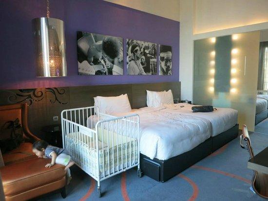 Hard Rock Hotel Singapore: bedroom