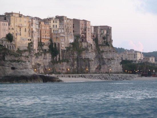 Tropea: Тропея, вид с моря.