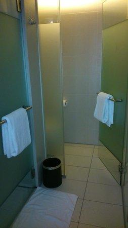 Hard Rock Hotel Singapore: bathroom
