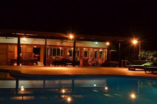 Daku Resort: Night time at Daku