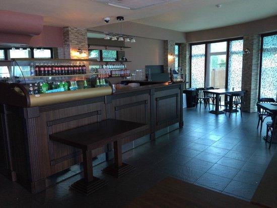 Lazur Beach Hotel: Кафе на завтраке