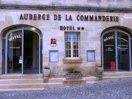 Auberge de la Commanderie: Hotel Entrance