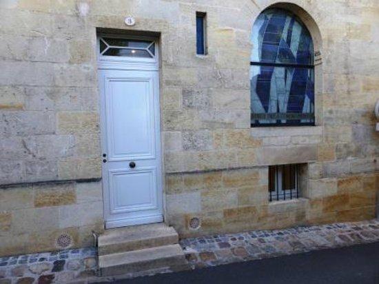 Auberge de la Commanderie: Entry to annex