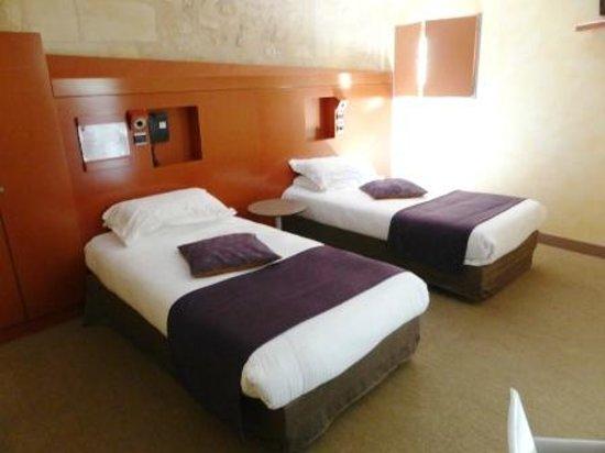Auberge de la Commanderie: Bedroom