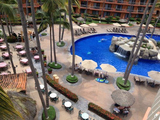 Villa del Palmar Beach Resort & Spa: Building one 5th floor pool view
