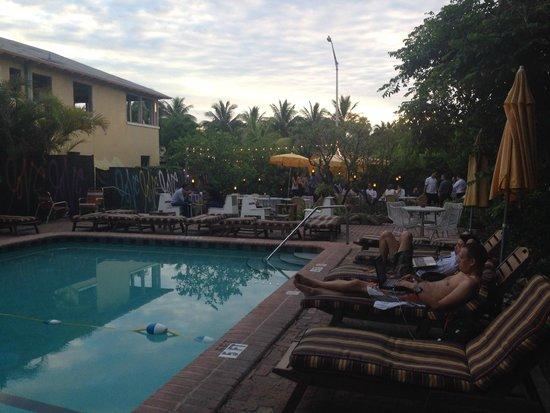 Freehand Miami: pool area
