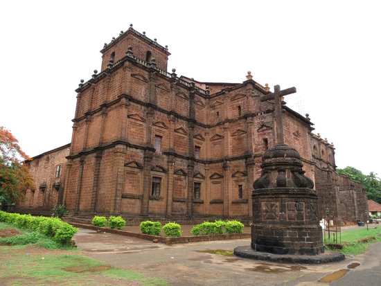 Old Goa: Basilica of Bom Jesus