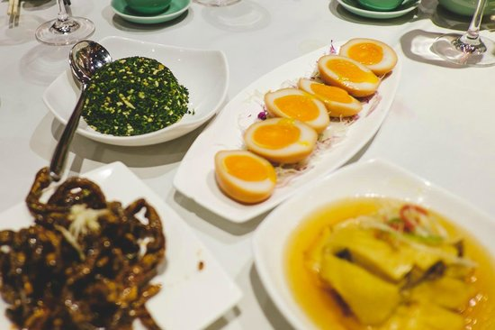 Little Adventures in Hong Kong Food and Walking Tours - Day Tour : Cantonese Food