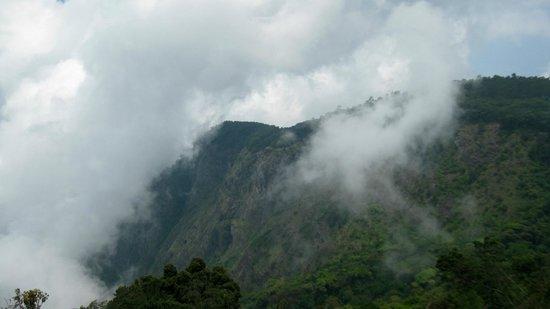 Kodai Misty Mountain: SUICIDE POINT, KODAIKANAL