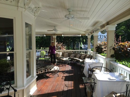 Embrace Calistoga : The great porch to relax