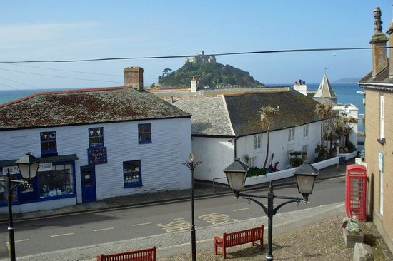 Marazion Hotel: Restricted view