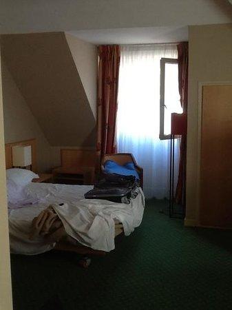 Maison Rouge Hôtel: angle sud chambre 606