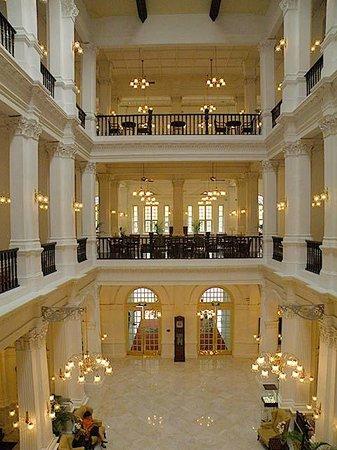 Raffles Hotel Singapore : Inside
