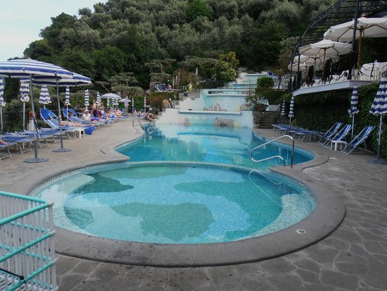 Grand Hotel Capodimonte: The stunning waterfall pools