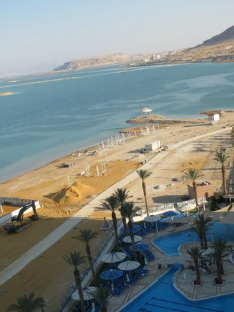 Crowne Plaza Dead Sea : Crown Plaza Beach