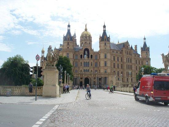 Schwerin Castle (Schweriner Schloss): accesso dalla terraferma