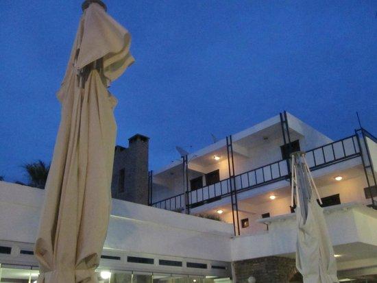 Sami Beach Hotel: :)