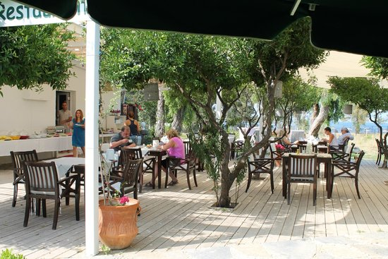 Otel Gumusluk: The restaurant